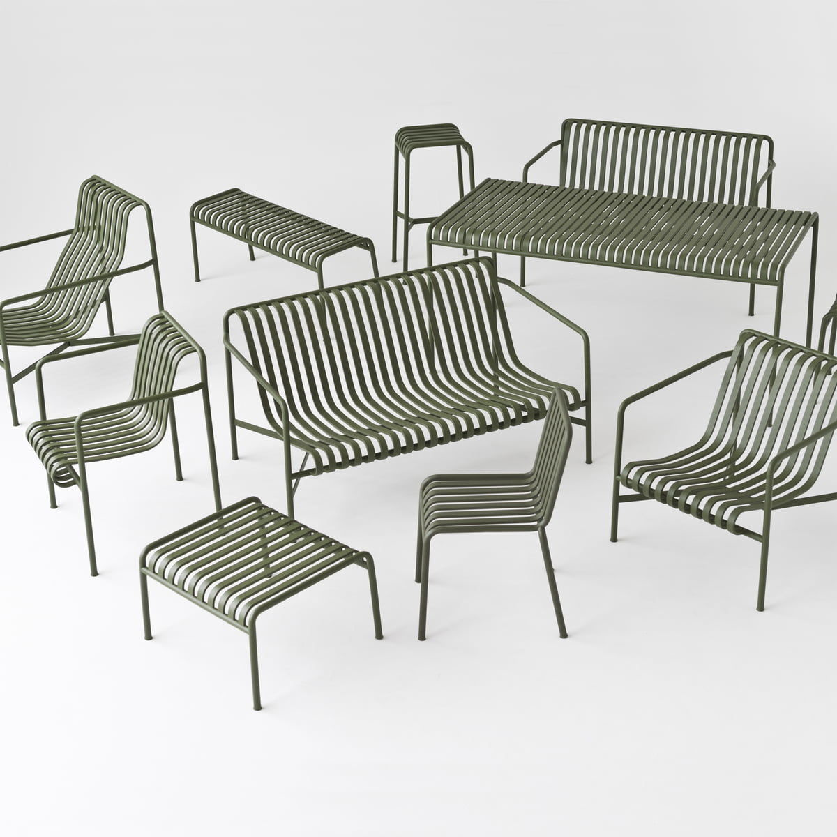 hay-collection-outdoor-palissade